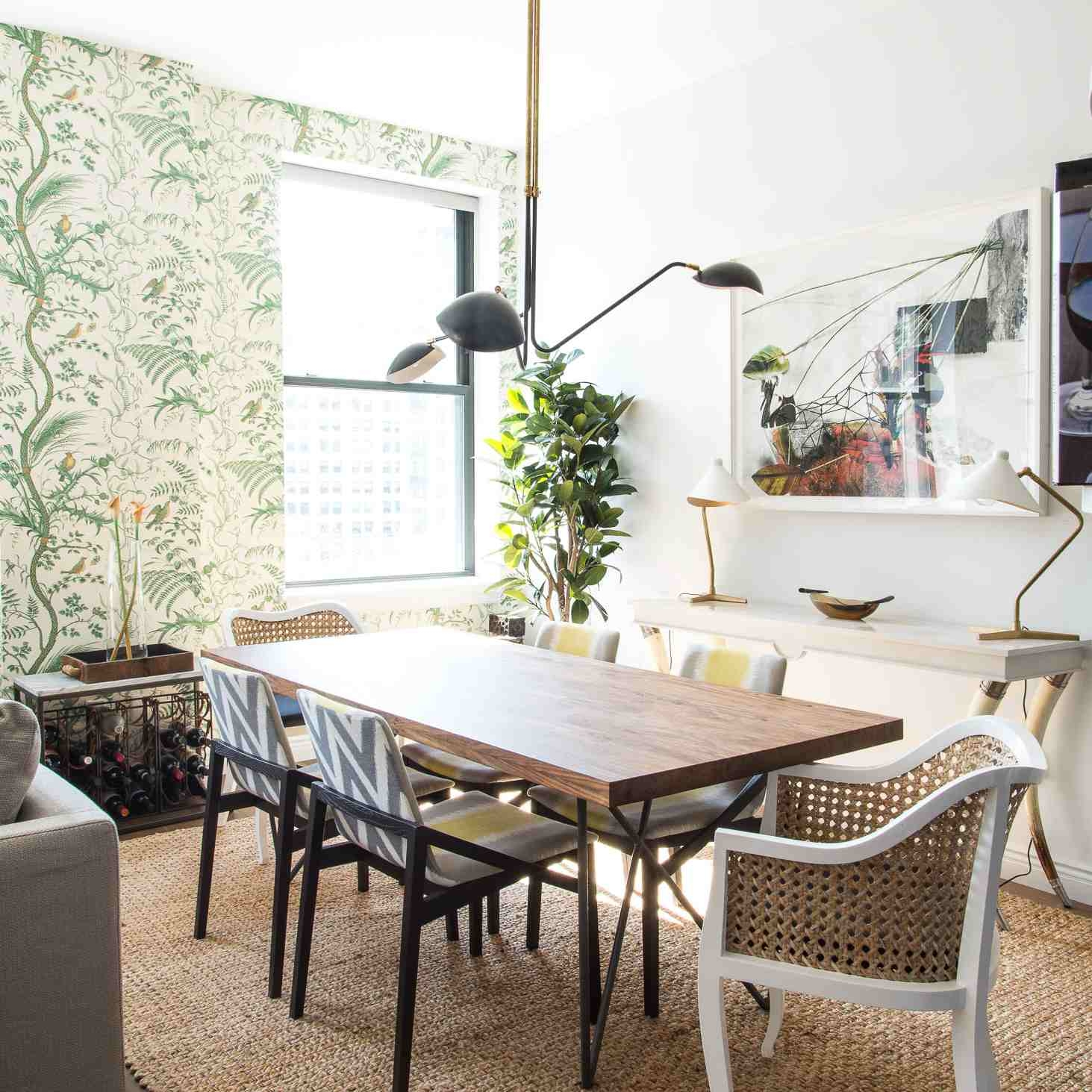 5 Things a Designer Would Never Do in a Small Dining Room