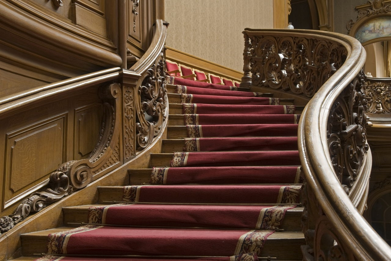 7 Alternatives to Carpets on Stairs That are Really