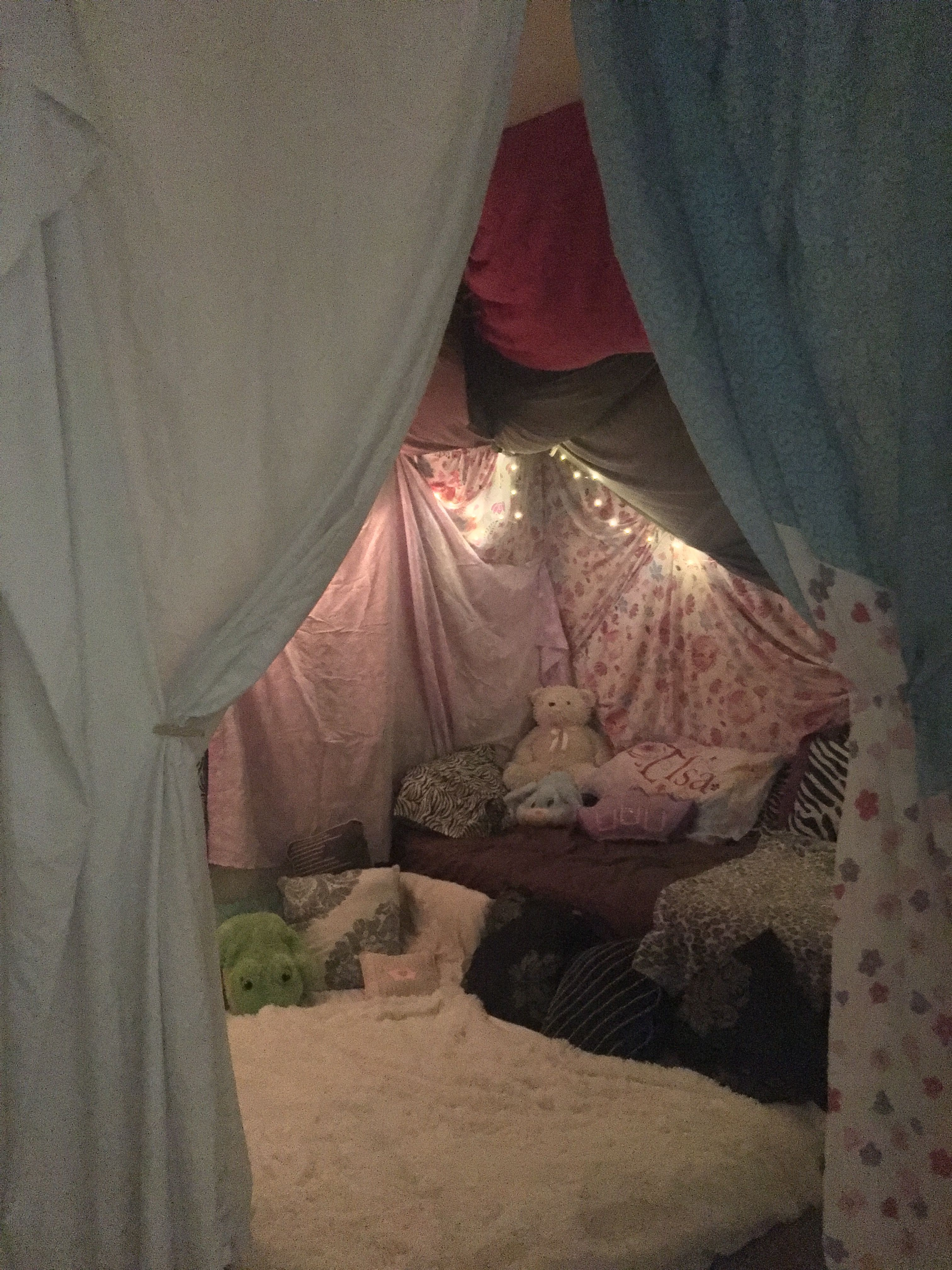 Kids huge blanket fort covers whole room Perfect for