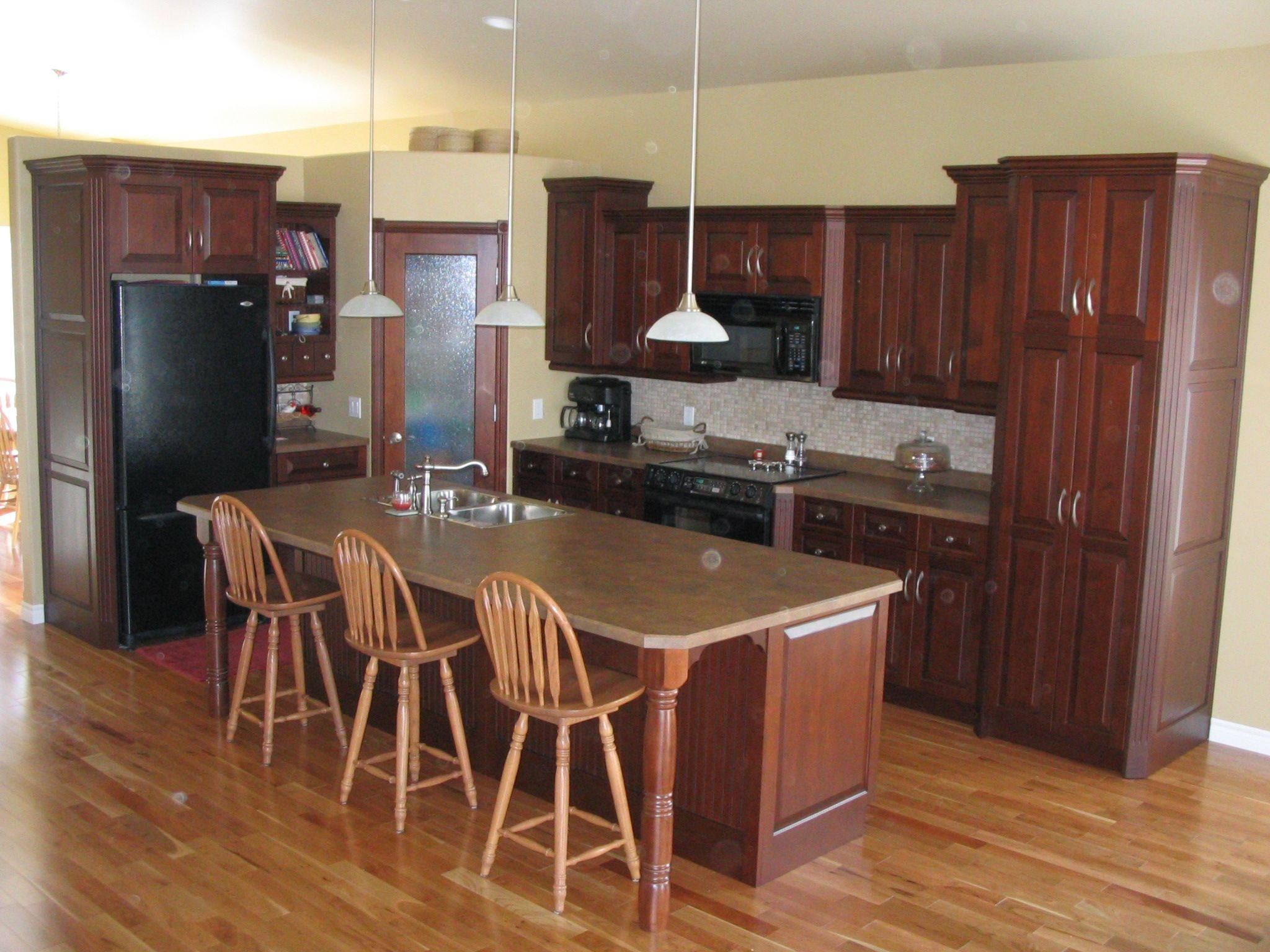 Kitchen Cabinets Maple  Amber  Countertops Formica