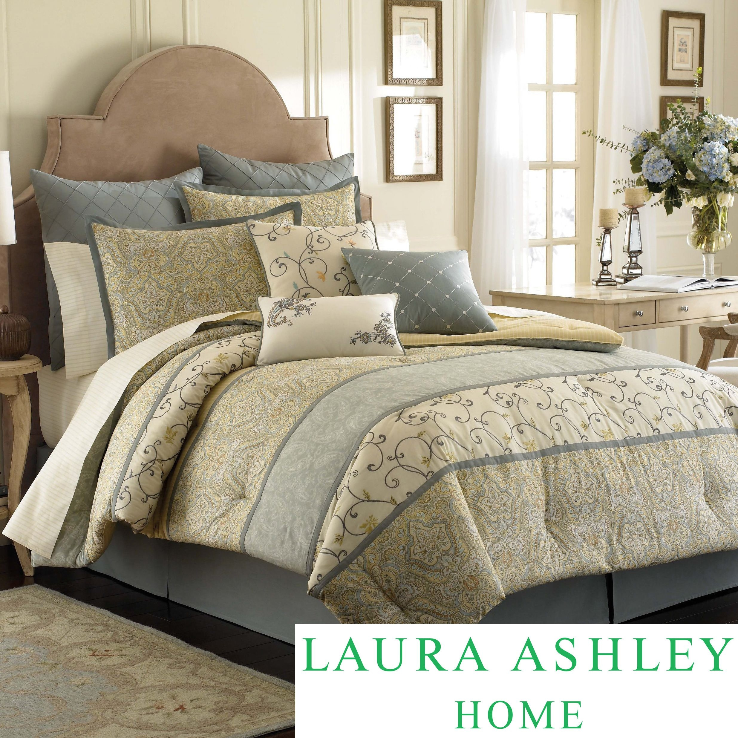 Laura Ashley Berkely is a beautiful bed featuring panels