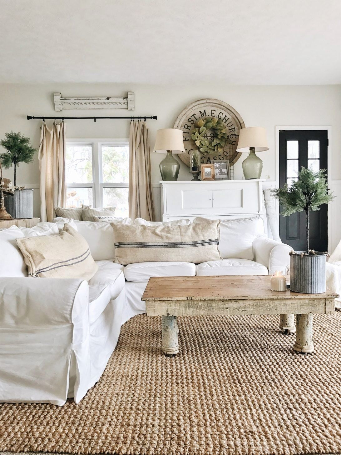 Pin by Stephanie Pope on Farmhouse Interior in 2020