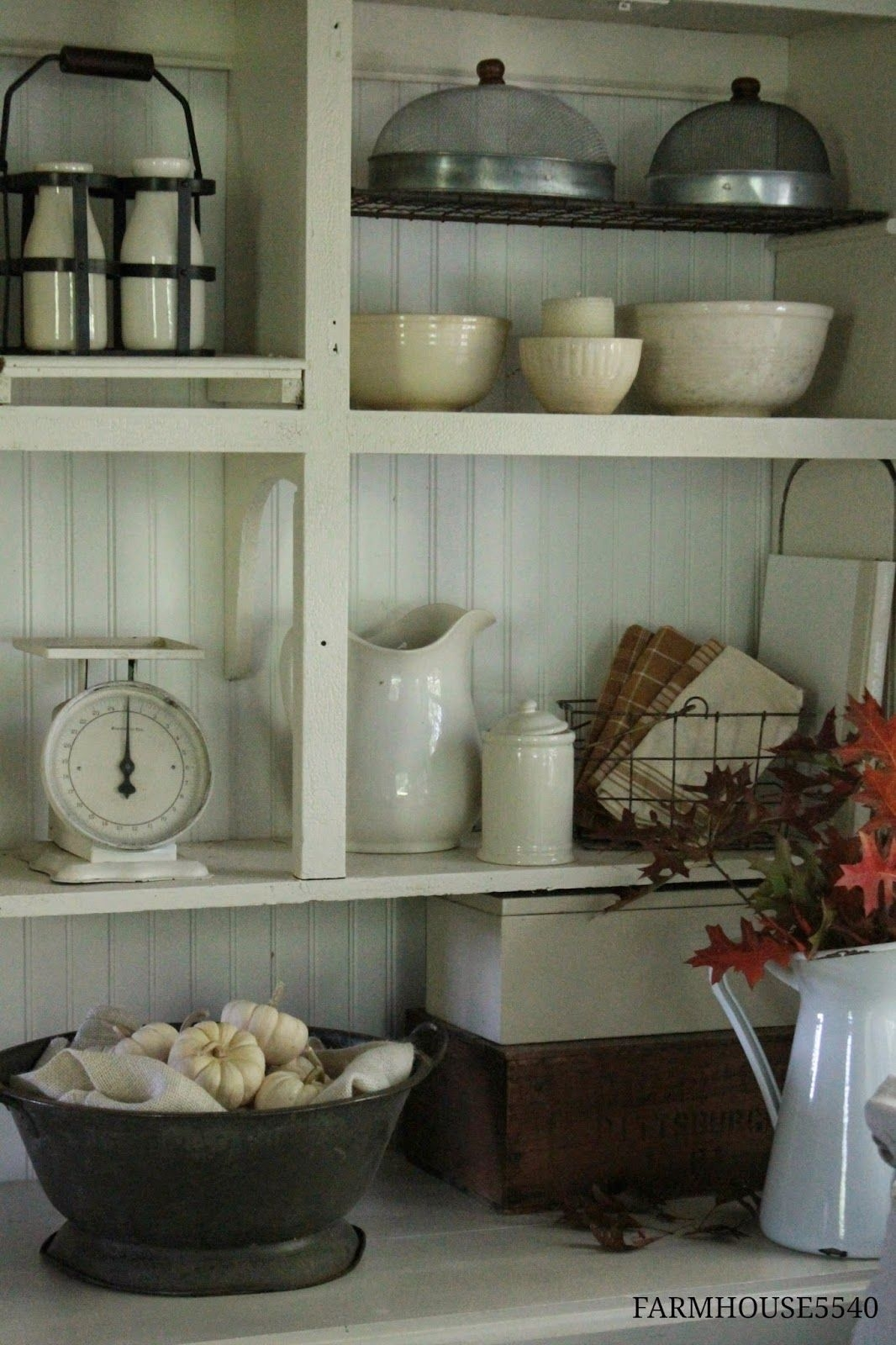 Simple Country Decorating Ideas  FARMHOUSE 5540  Shabby