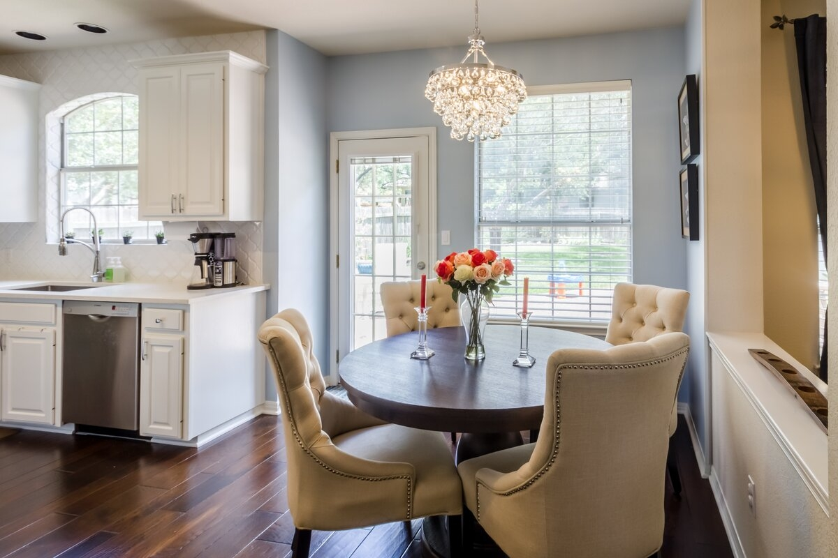 Traditional Dining Room Design Photo by Jaimie Anand Interiors