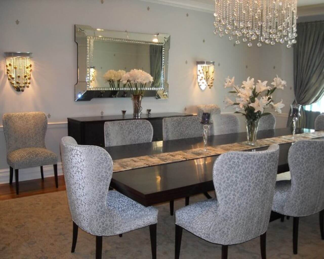 Ways To Design A Small Dining Area Within Your Budget