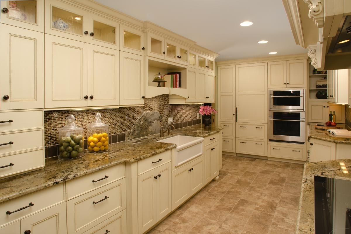 creamcoloredkitchencabinets  kitchen backsplash ideas